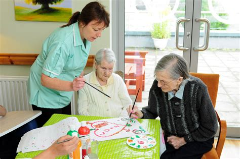 therapeutic crafts for seniors