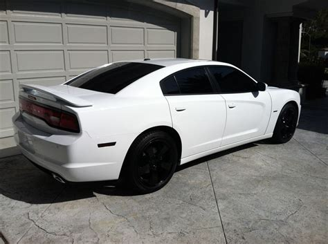 white charger with black rims dodge charger 2011 to 2014 on dodge chargers