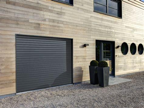 porte de garage en alu porte de garage enroulable motoris 233 e en aluminium iso02