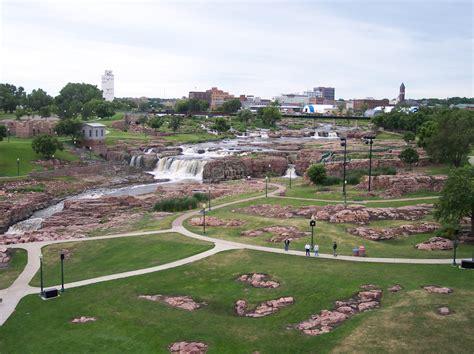 garden sioux falls sd file sioux falls sd falls park jpg wikimedia commons