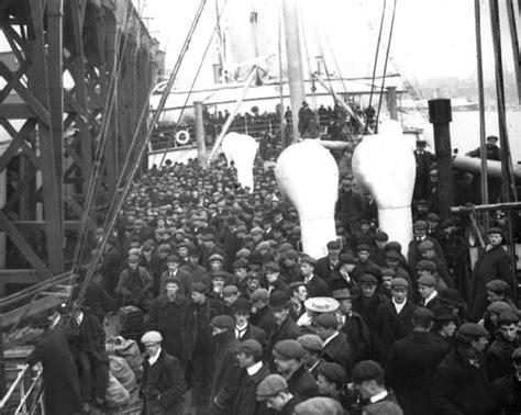 immigration boats 1800s 150 best images about clothing of workers and immigrants