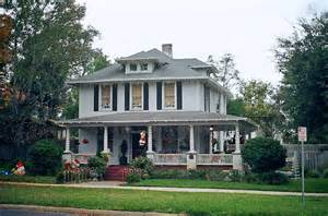 38 american foursquare home photos plus architectural details