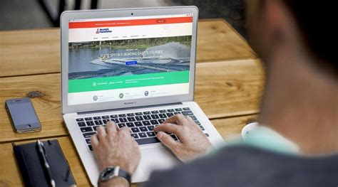 california boating safety course california boaters can now take state s required boating