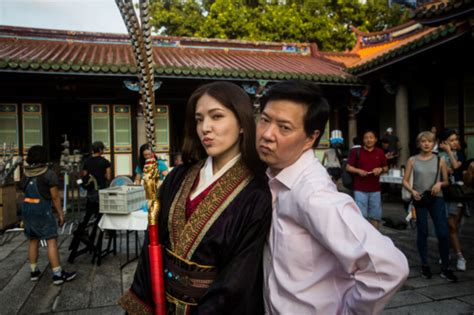 ken jeong fresh off the boat episode how fotb booked one of taiwan s biggest stars vulture