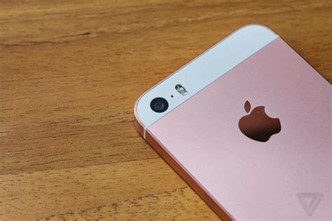Pink Better Me For Iphone 55s66s iphone se review today s tech yesterday s design the verge