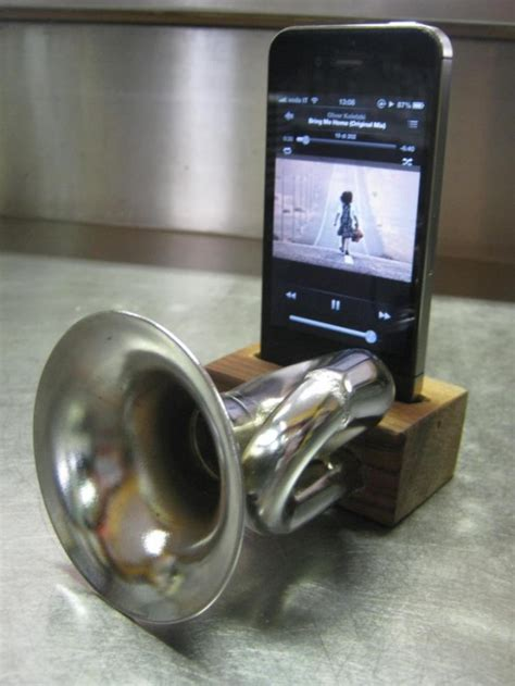 cool  innovative iphone amplifiers