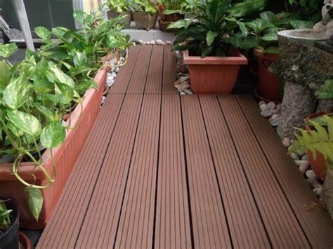 balkonboden ideen terrasse und balkon holzfliesen ideen und andere bodenbel 228 ge