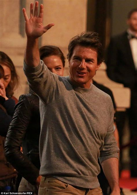 Tom Cruise Puts On A Budget by Tom Cruise Jokes With Simon Pegg On Set Of Mission