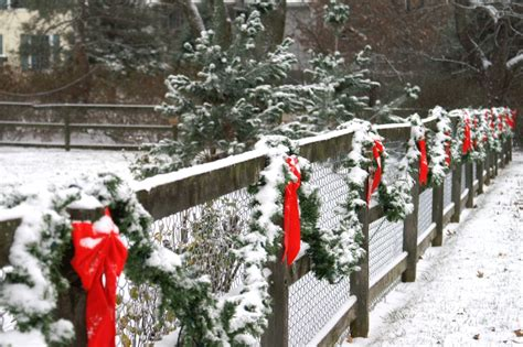 christmas decorations for fences did you that decorating the fence can give your house a complete makeover