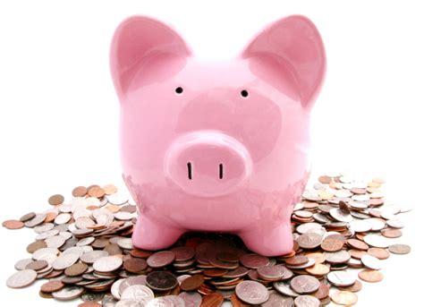 piggy bank with money smart investing don t lose money quizzle com blog