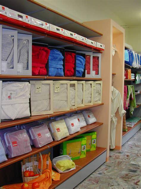 negozi arredamento on line negozi arredamento sistema with negozi