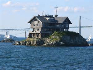 Clingstone quot clingstone house on a rock quot is a 107 year old mansion