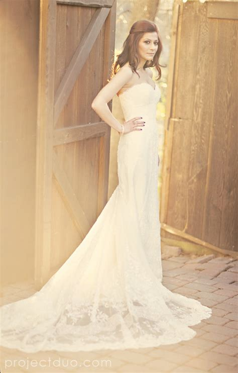 simple lace country sweetheart wedding dress with chapel