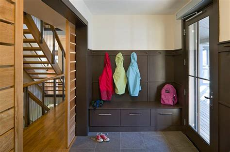 how to design a practical mudroom