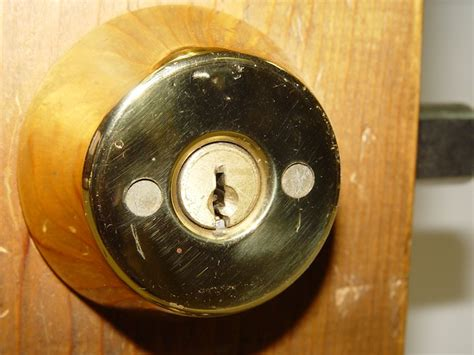 how to rekey or change a deadbolt lock phs locksmiths