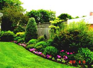 cheap backyard landscaping backyard ideas on a budget inexpensive backyard ideas top
