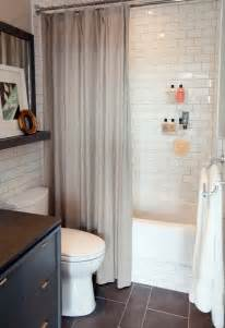 Small White Bathroom Decorating Ideas by Small Bathroom Decorating Pictures With White Wall Tile 22