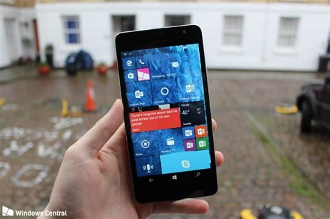 anti virus lumia 650 hands on with the unreleased microsoft lumia 650 xl