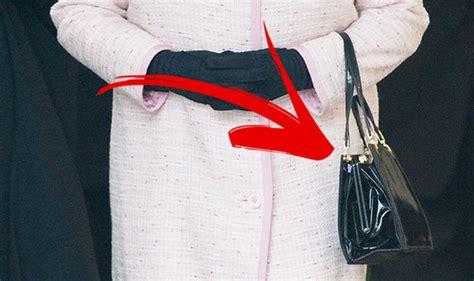 queen elizabeth purse signals queen elizabeth s secret signals this is what it means