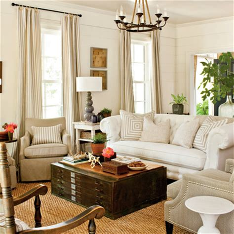 southern living decorating ideas living room choose a statement sofa for a large room 104 living room