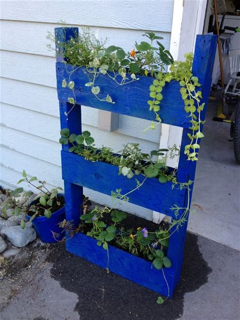 Vertical Garden Pallet Vertical Gardening Out Of Recycle Pallets Pallet