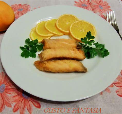 salmone come cucinarlo in padella salmone marinato fritto con contorno di arance gusto e