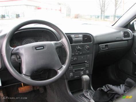 Volvo S40 2000 Interior by Black Interior 2001 Volvo S40 1 9t Photo 41457643