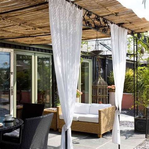 Porch Curtains Ideas 20 Diy Outdoor Curtains Sunshades And Canopy Designs For Summer Decorating