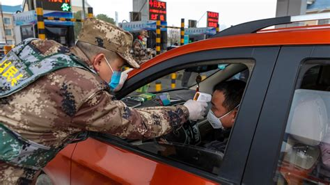 china closes   major city  coronavirus outbreak