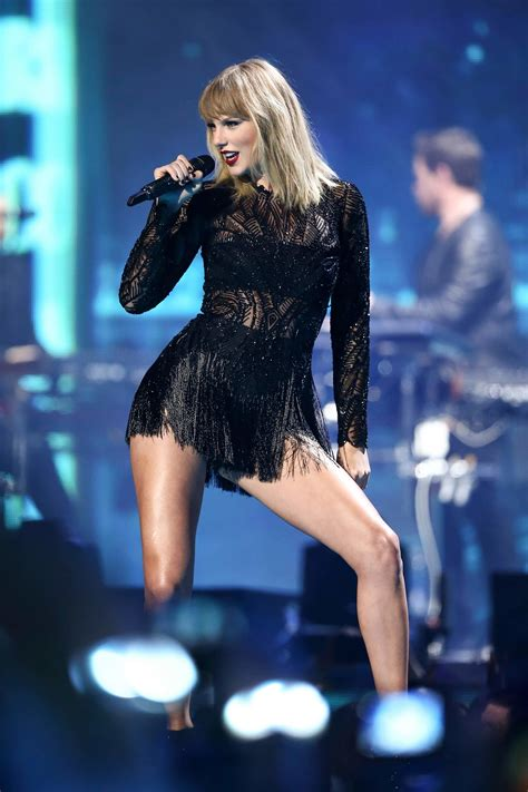 taylor swift concert knoxville tn wbir taylor swift s gorgeous is her best new