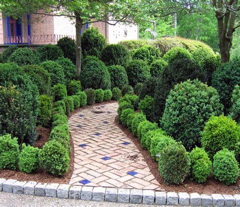 Landscape Ideas Using Boxwoods Traditional Landscape