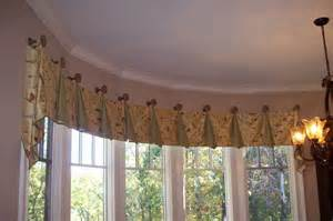 Bow Window Treatment Use Bow Window Treatments To Improve Home Ambience