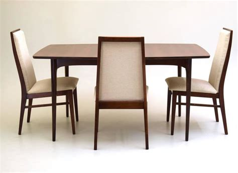 Dining Room Tables With Extension Leaves Walnut Dining Table With Extension Leaf At 1stdibs