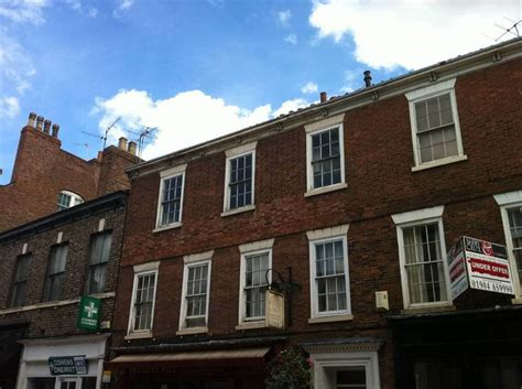 2 bedroom flats for sale in york 2 bedroom apartment for sale in gillygate york yo31