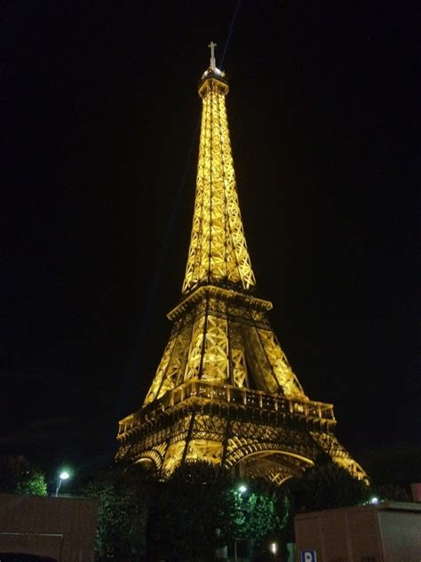 home of the eifell tower paris paris eiffel tower at night