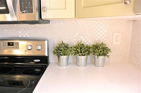 lantern tile backsplash pin by amanda lincoln on kitchen