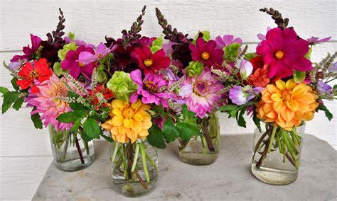 zinnia flower bouquet http refreshrose blogspot com