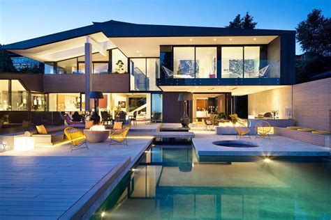 contemporary luxury homes 4 modern luxury homes in vancouver canada
