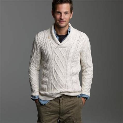 how to wear a cable knit sweater cotton fisherman cable knit sweater omiru style for all