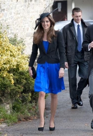 Imagenes Vestido Negro Con Azul   kate middleton con blazer negro y vestido en color azul