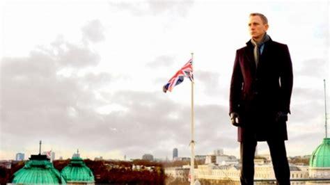 Resume 007 Skyfall by Le 007 Skyfall V F