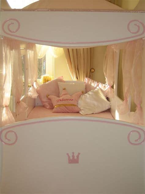 lit enfant carrosse lit enfant carrosse royal ferm 233