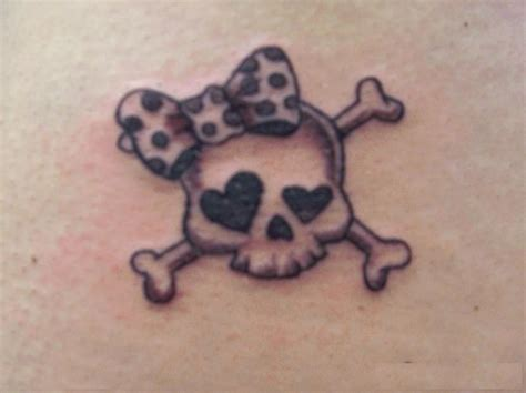 skull bow tattoo designs lets get inked skull thigh tattoos