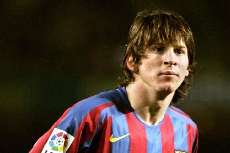 lionel messi blog long wavy hairstyles for round face shapes the 10 weirdest haircuts in football the raumdeuter