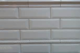 Subway tile with beveled edges and rope trim