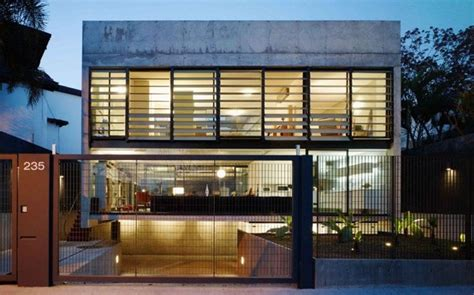 imposing glass steel concrete residence in s 227 o paulo