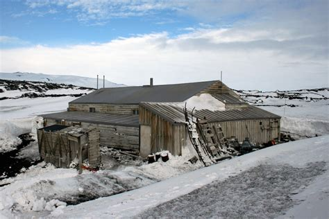 Log Cabin Designs by Antarctic Bases The History Of Designs