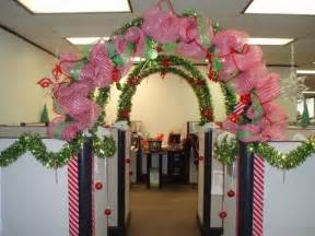cubicle christmas decorating ideas office cubicle