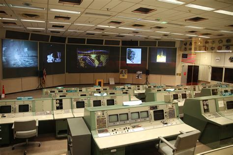 nasa mission room 10 nasa facts that will totally space you out international traveller