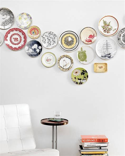 How To Decorate Dinner Plates by Decorating Wall With Colorful Dinner Plate Wall